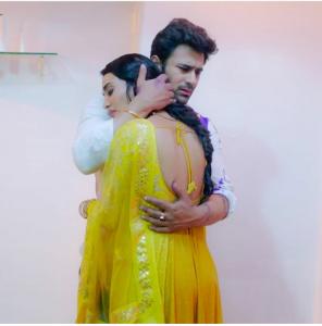 BeHir Shower scene-2 Naagin3 Bela & Mahir